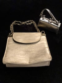 New clutch purse good quality with free small change purse Nanaimo, V9T 2N6