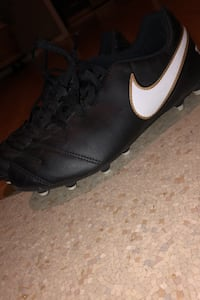 Nike tempo soccer cleats
