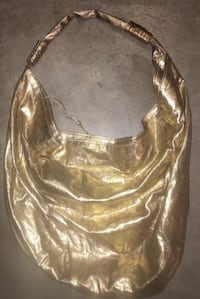 New without tags extremely large shimmery gold hobo style purse/bag Saint Albans, 25177