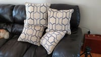 4 nice white-and-gray throw pillows Festus, 63028