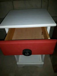 white and red wooden end table Niagara Falls