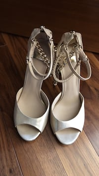 Guess MARCIANO gold plated heels Dollard-Des Ormeaux, H9B 3J7