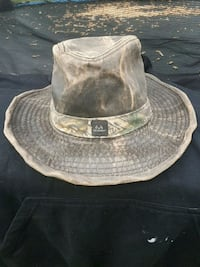 gray and brown leather cap Welland, L3B