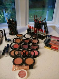 Various makeup pallets, blush, lipstick, foundation Newmarket, L3Y 1V5