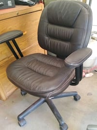 black leather padded rolling chair Cottonwood, 86326