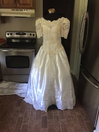 Wedding dresses Branford, 06405