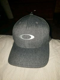 Gray Oakley hat San Antonio, 78223