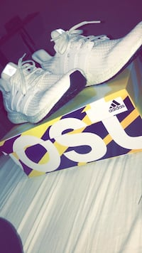 white adidas ultra boosts Langley, V3A 3H6