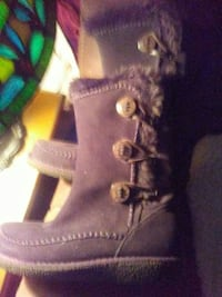 Woman's suede boots 8.5