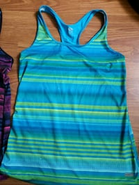 Athletic works top size small