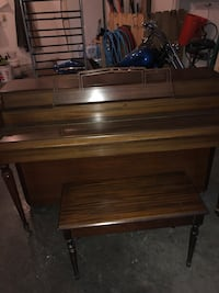 Piano Front Royal, 22657