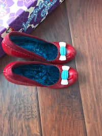 Red patent shoes with lucite heels size 10 fits 9.5 Keswick, L4P 3P2
