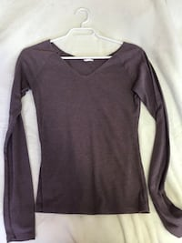long sleeve shirt  Edmonton, T6L 3A3