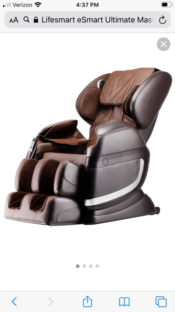 Photo Massage chair w/heat/bluetooth speakers/30 air bags!