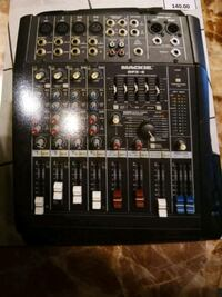 Used mackie dfx-6 channel mixer with effects  Houston, 77043