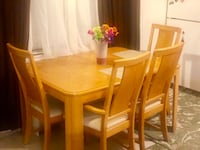 Beautiful Dining table and chairs Boulder
