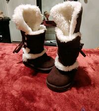 Girls boots size 6
