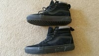 Vans off the wall shoes size 7 Victoria, V8R 1E9