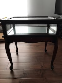 Display table (from Bombay) Vaughan, L4L 8C4