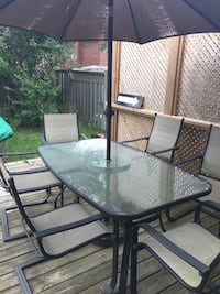 Outdoor table and chairs  Toronto, M1C 4N1
