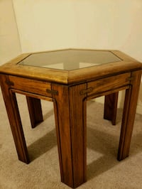 End table Chicago, 60613