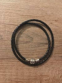 Pandora leather bracelet. Never worn  Toronto, M4J 2K7