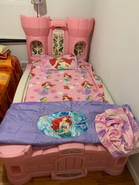 Girls princess bed with mattress Lakewood Township, 08701