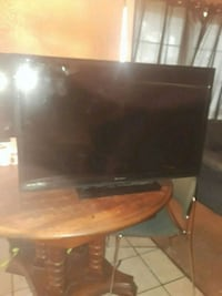 Emerson 32 inch flat screen tv North Richland Hills
