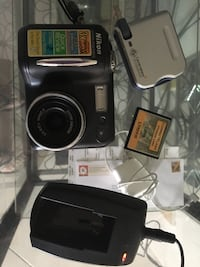 Nikon Coolpix 885 and accessories