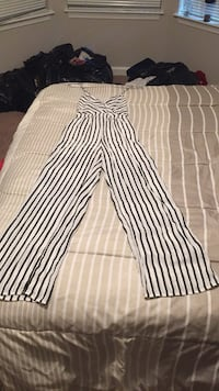 Jumpsuit Women's Black and white Size M Upper Marlboro, 20772