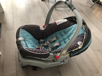 Graco click connect green and gray car seat Toronto, M6S 5B5