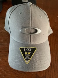 Oakley Flex Fit Hat London, N5Z 3L5