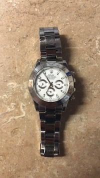round silver-colored chronograph watch with link bracelet Hagerstown