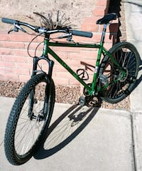 green and black hardtail mountain bike Los Angeles, 90009