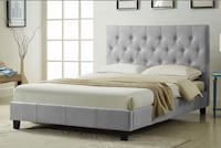 Brand new grey fabric queen button tufted platform bed frame on sale 多伦多, M1P