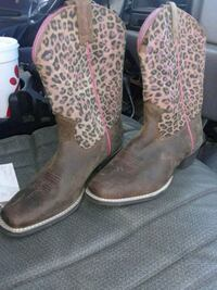 "ARIAT ""LEGENDS"" COWGIRL BOOTS Louisville, 40214"
