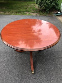 Wooden Round Center Table  Middletown, 02842