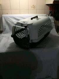 black and white pet carrier Victoriaville, G6P 6L1