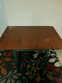 Wooden table expandable