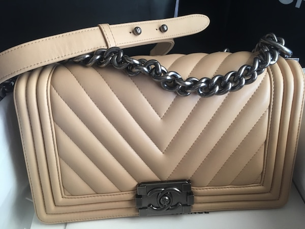 b60ffb187090 Chanel Leboy medium beige color bag purse great condition usagé à ...