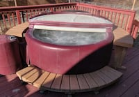 Softub 300 Hot Tub with Extras  null