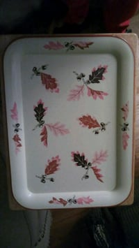 Vintage Oak leaf/acorn design metal serving trays Minneapolis, 55430