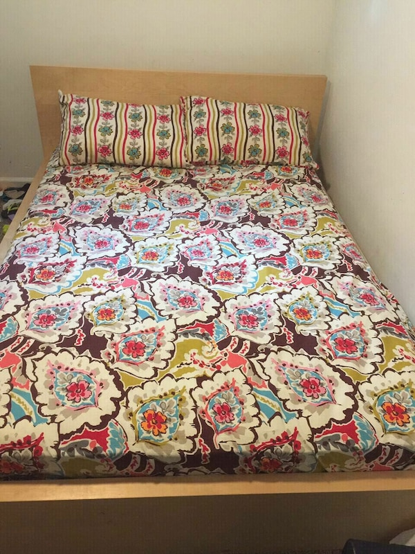 Full size mattress box spring and bed frame
