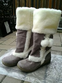 brand new suede boots size 5.5 Toronto, M1E 2B8