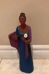 Ceramic Statue of Woman with Calla Lily Vaughan, L6A 2J8