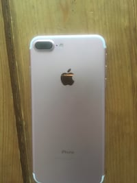 Rose gold iPhone 7 Plus perfect condition needs a professional to be unlocked iCloud apple locked  Richmond Hill, L4C 1H9