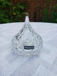 Shannon Crystal ring holder as a Chocolate Hershey Mississauga, L5E 2X1