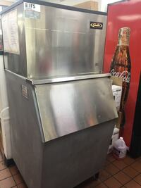 Stainless steel top-mounted ice machine St. Louis, 63102