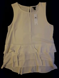 Ann Taylor White Sleeveles Top Arlington, 22201