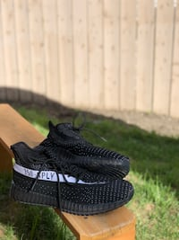 Yeezy boost 350 v2 (Size 10 USA) ( Trade or Buy) (Replicas) Calgary, T3K 5T9
